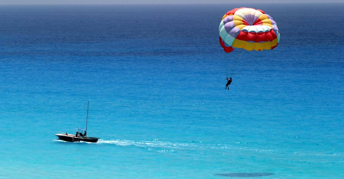Sufrir un accidente en parasailing